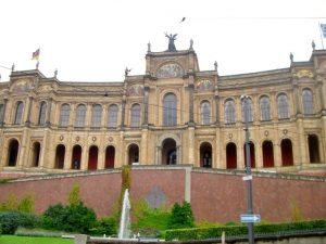 Bayrischer_Landtag_Gebäude_web